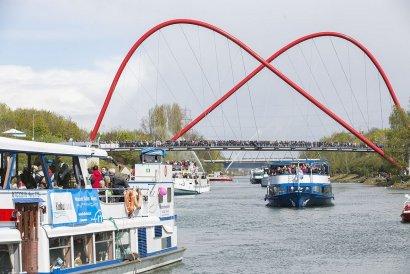 6. Schiffsparade KulturKanal: auf der Rheinfels ab Duisburg und Oberhausen