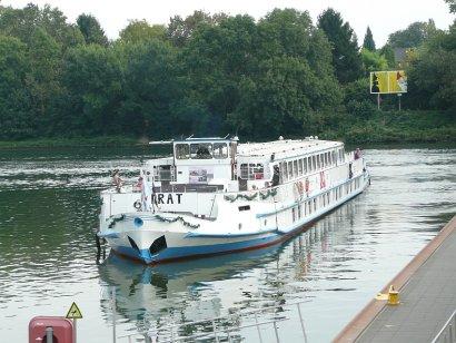 Fahrgastschiff Pirat testet neuen umweltfreundlichen Treibstoff