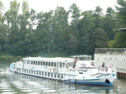 Schiffsparade KulturKanal 2017, mit dem Fahrgastschiff Pirat, ab Gelsenkirchen