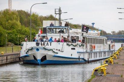 Fahrt mit dem Fahrgastschiff Pirat zum Hafenfest Recklinghausen ab Gelsenkirchen
