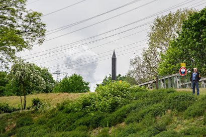 Carbon Obelisk (Rita McBride, 2010) Darstellung 2