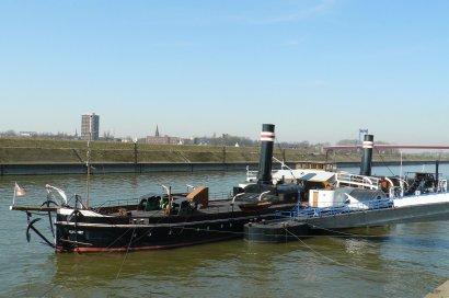 Besichtigung Museumsschiffe am Ruhrorter Leinpfad