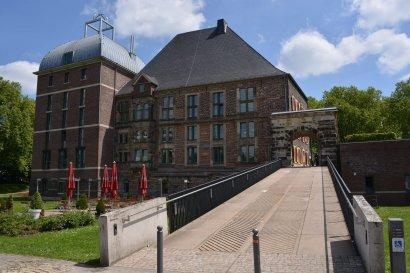 Adventliche Taschenlampenführungen im Schloss Horst, Gelsenkirchen