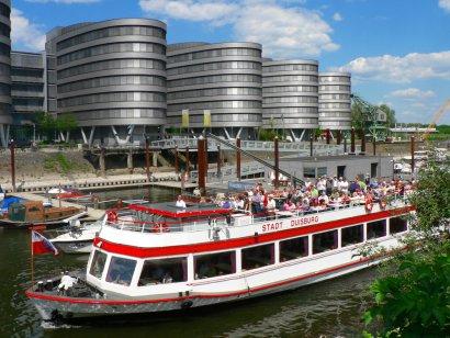 Ruhrort in Flammen auf der Weissen Flotte Duisburg
