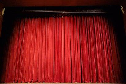 Duisburger Akzente: MADAME BOVARY – ALLERDINGS MIT ANDEREM TEXT UND AUCH ANDERER MELODIE im Theater Duisburg