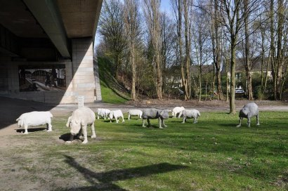 Emscher-Galerie / Weidende Schafe Darstellung 7
